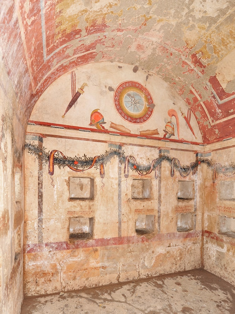tomb12-min